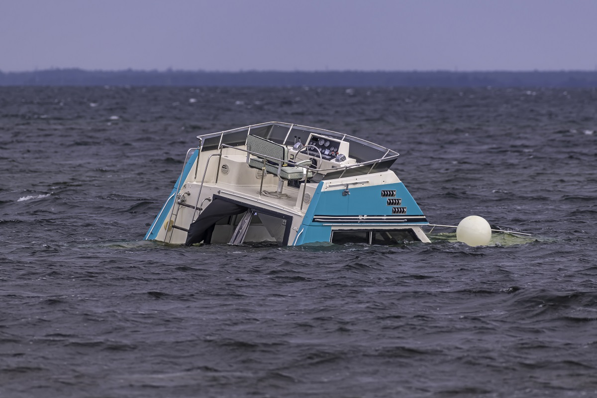 Boat disappears with 20 passengers in US
