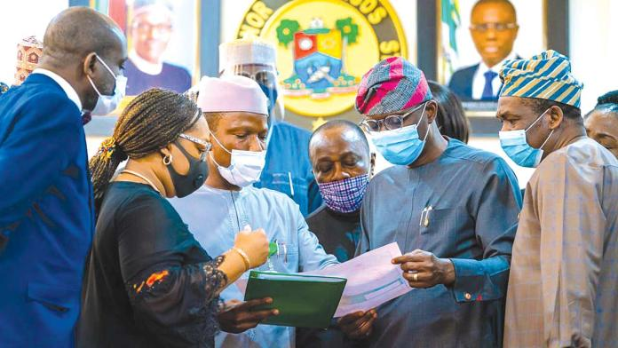 Company Secretary/Legal Adviser, Federal Airports Authority of Nigeria (FAAN), Clifford Omozehian (left); Director, Finance and Accounts, Mrs. Nike Abodemi; Managing Director, Captain Rabiu Yadudu; Lagos State Governor, Babajide Sanwo-Olu and his deputy, Dr. Obafemi Hamzat, during a visit by the FAAN management to Lagos House, Alausa, Ikeja…yesterday. PHOTO: NAN