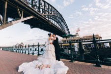 beautiful asian chinese wedding harbour bridge photography