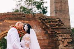 tongan wedding kissing photography