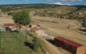 Complejo rural, Teruel, Vista cabañas y restaurante