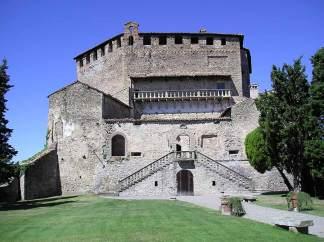 Cortile interno di Rocca d'Olgisio - Pianello Val Tidone