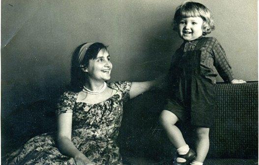 С сыном Томасом. Вильнюс, 1961