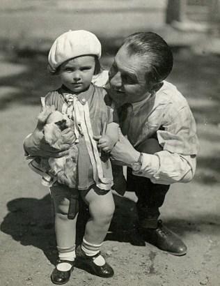 С папой. Ленинград, 1930