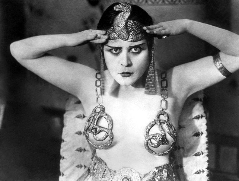 222-Theda Bara als Cleopatra-2