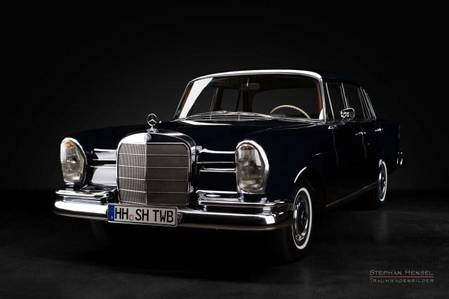 Mercedes-Benz 230 S, Ansicht von links vorn, Automobilfotografie im Studio, Stephan Hensel, Hamburg