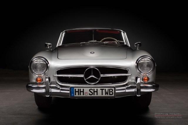 Mercedes-Benz 190 SL, Studioaufnahme, Ansicht von vorn, Automobilfotografie: Stephan Hensel, Hamburg, Oldtimerfotografie