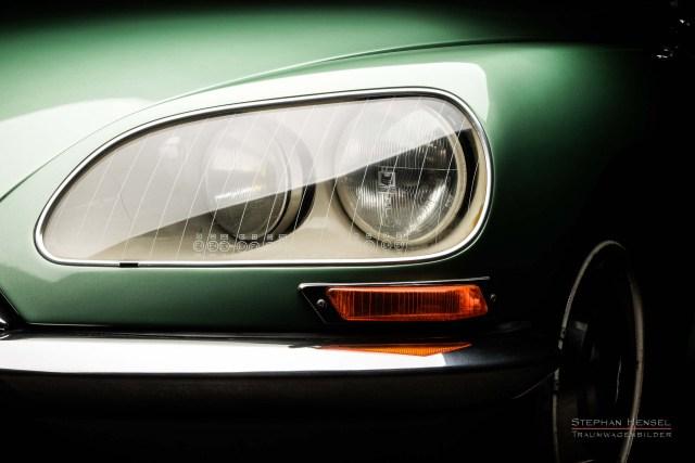 Citroën DS (DSuper5), Detailansicht Frontscheinwerfer links, Automobilfotografie: Stephan Hensel, Hamburg, Oldtimerfotografie
