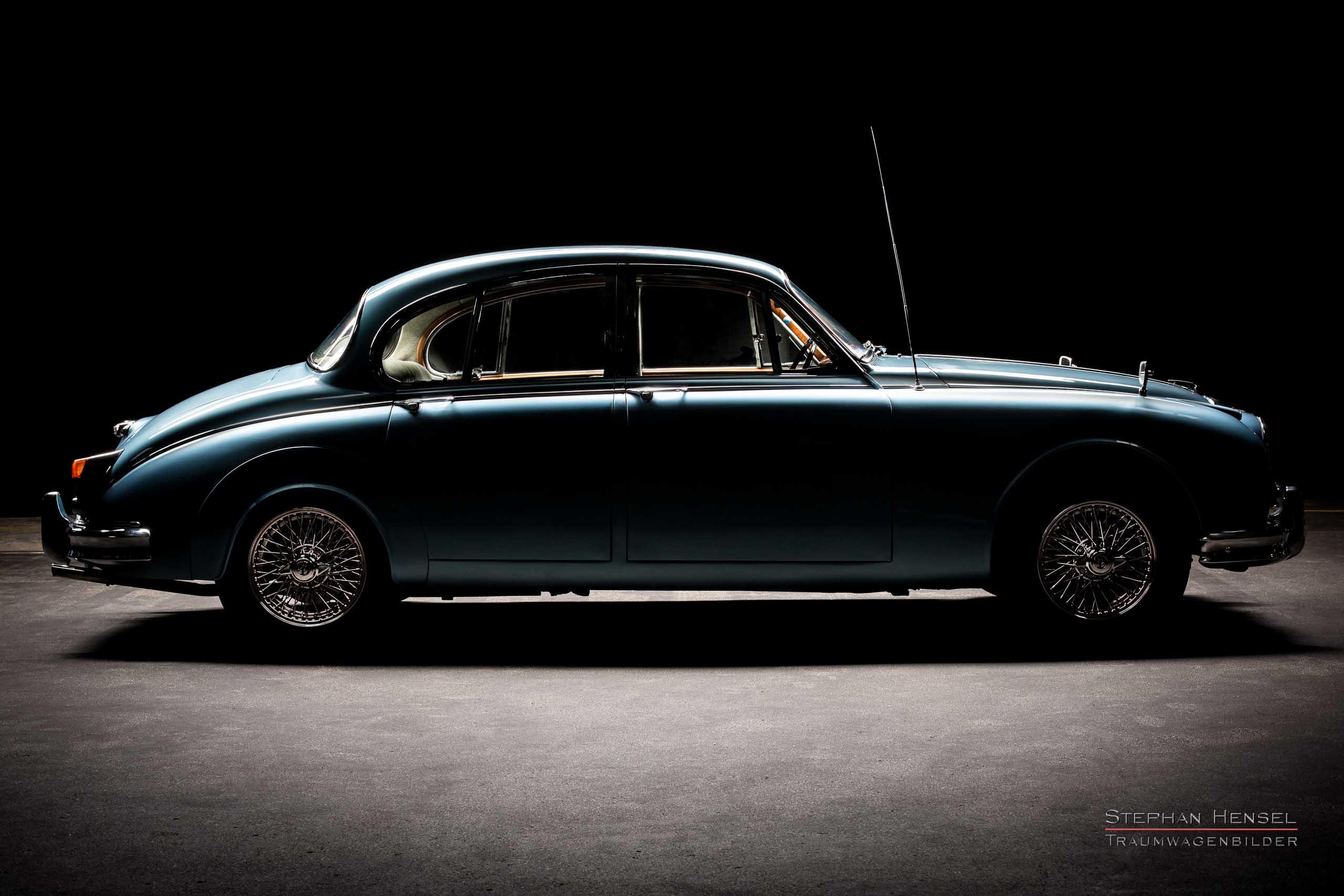 Daimler 250 V8 Saloon, Seitenansicht, Autofotografie: Stephan Hensel, Hamburg, Oldtimerfotograf, Oldtimerfotografie