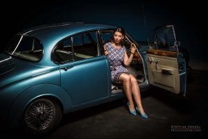 Stephanie Hensel, Hair- and Make-Up Artist, Studioassistentin - und hier als Model im Daimler für das Pin-Up Atelier Hamburg
