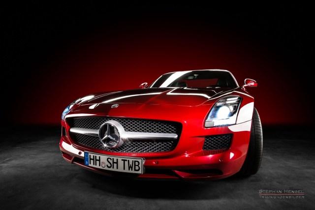 Mercedes-Benz AMG SLS, 2011, Studioaufnahme, Seitenansicht von vorn, Autofotografie: Stephan Hensel, Hamburg, Oldtimerfotograf, Autofotograf, Automobilfotograf
