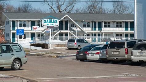 2016-03-22 Gables Motel