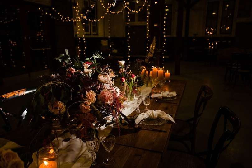 Tisch Deko bei Bekräftigungszeremonie BEZZI mit freie Trauung bei Hochzeit mit Traurednerin Trautante Friederike Delong von Hochzeitsfotograf Steven Herrschaft