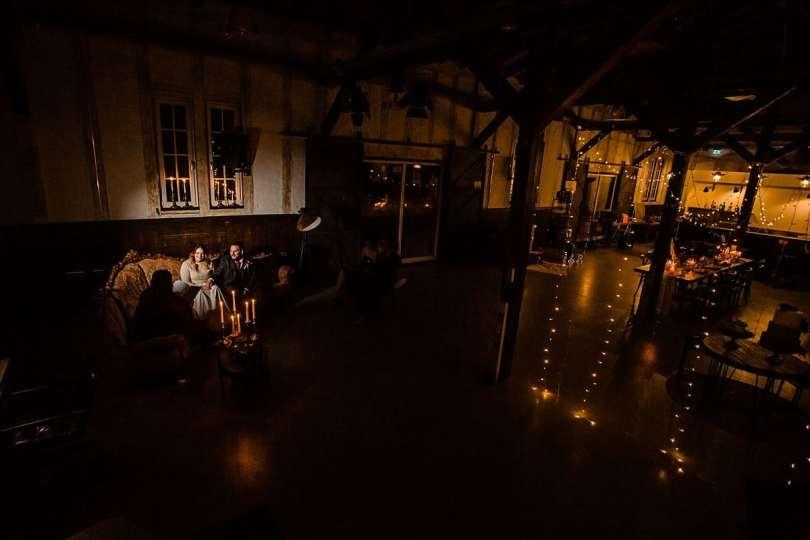 Dekoration bei Bekräftigungszeremonie BEZZI mit freie Trauung bei Hochzeit mit Traurednerin Trautante Friederike Delong von Hochzeitsfotograf Steven Herrschaft