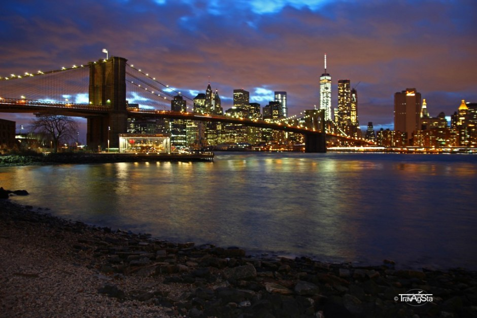 Brooklyn Bridge Park - View of Manhattan, NYC, USA