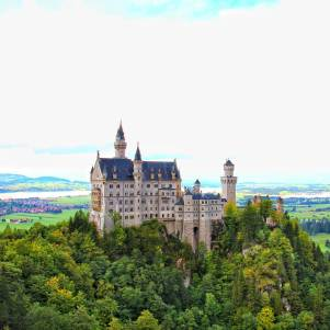 One of Bavaria's fairytale places-Neuschwanstein Castle! #germany #deutschland #bavaria #neuschwansteincastle #travel #wanderlust #travelblog #instagram #beautifuldestinations #tlpicks #destinoslindos #twintravel #tandctravel #huffpostgram #europe #travelzoo #travelawesome #howisummer #visitbavaria #visitgermany #germanytourism
