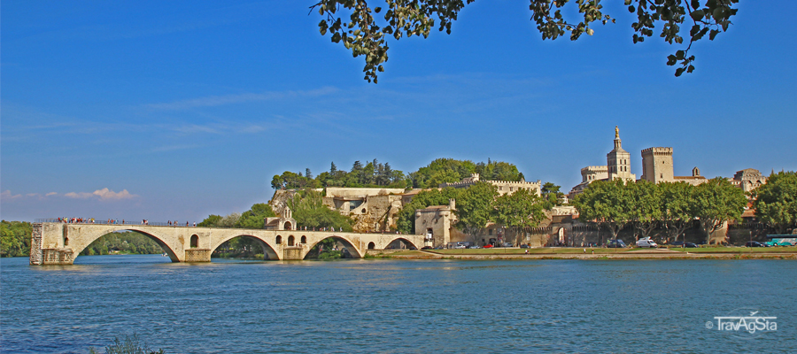 'Sur le Pont d'Avignon…'-Cities of Provence!
