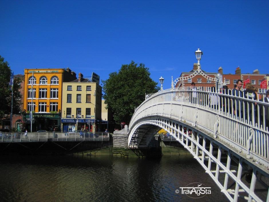 Halfpenny Bridge, Dublin, Ireland