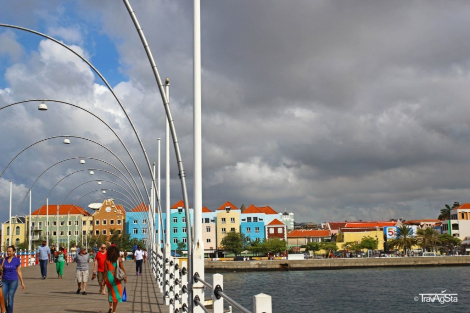 View to Otrobanda from Queen-Emma-Bridge, Willemstad, Curaçao