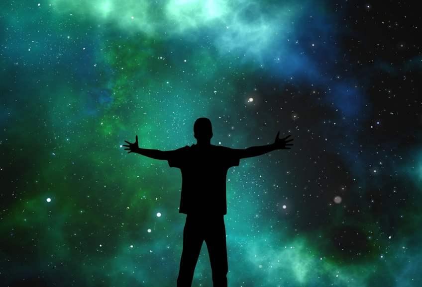 loi de l'attraction, énergie du comos, attraction du cosmos, meilleur vis grace a l'énergie cosmique
