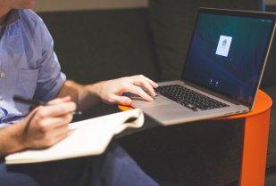 lancer votre affaire en ligne pour obtenir des revenus à 5 chiffres tous les mois