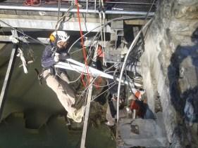 démontage de la structure d'un pont Lourdes