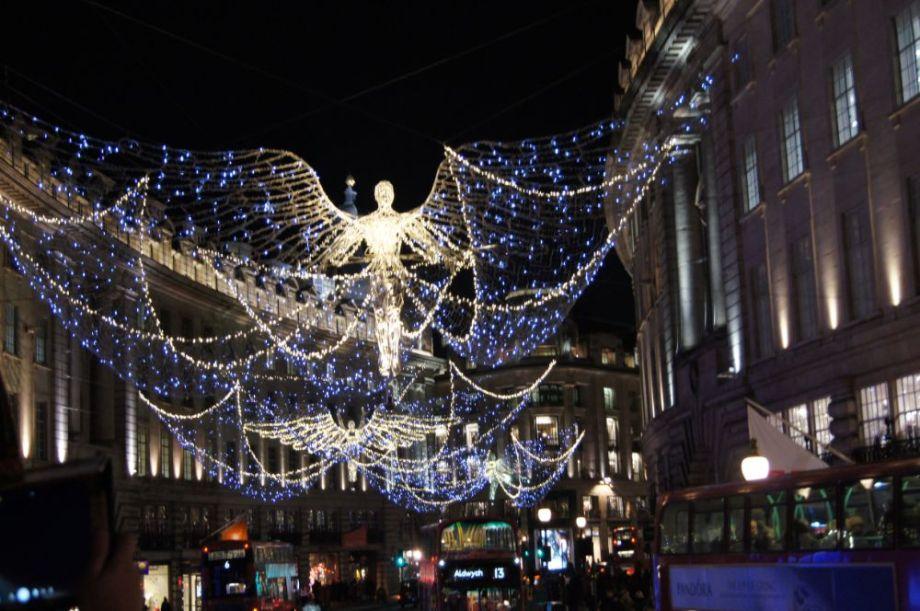 """""""Spirit of Christmas"""" on Regent Street (2016)"""