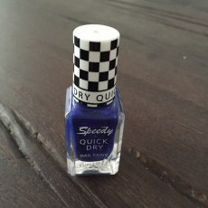 Discoveries & Reviews: Perfect Travel Nail Polish