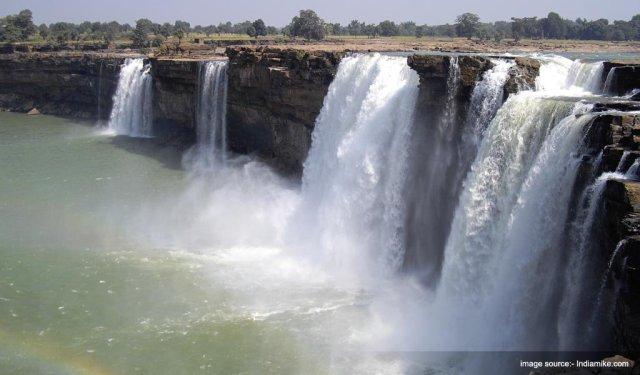 Famous Waterfalls In India : Chitrakoot Waterfall