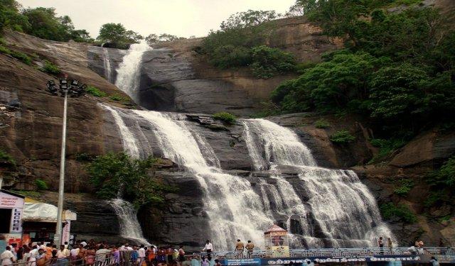 Famous Waterfalls In India : Courtallam Falls, Tamil Nadu, India