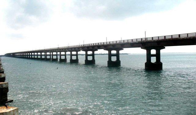 Road trips in India : Pamban to Tamil Nadu via Pamban Bridge