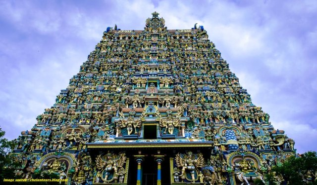 Meenakshi Temple : Famous Temples in South India