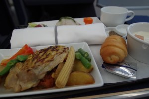 マニラ便の機内食(洋食)