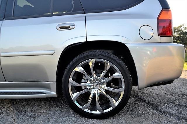バック駐車 斜め コツ ハンドル サイドミラー