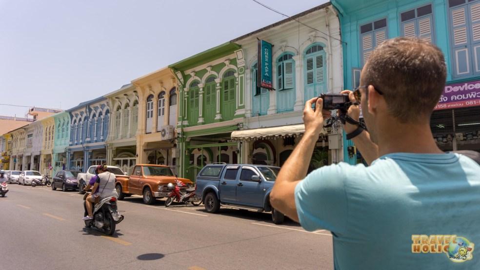 Une jolie rue colorée à Phuket Town, en Thaïlande