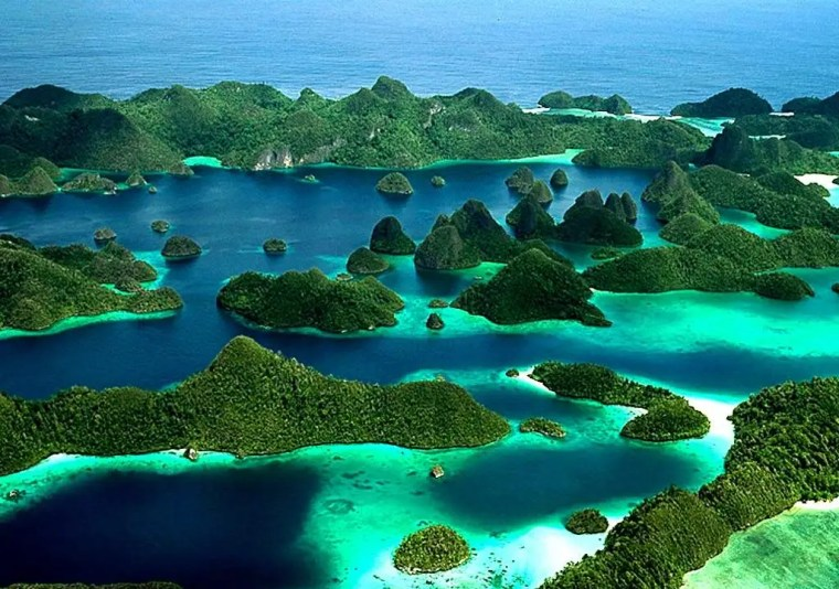 10 Otherwordly Places to Visit in Indonesia