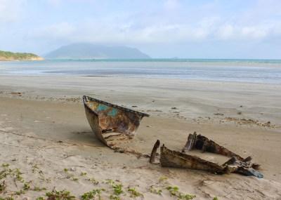 con-son-island-beach