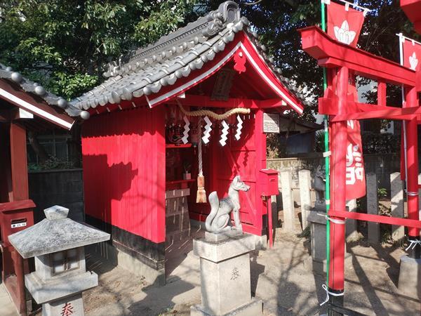 熱田神社境内にある稲荷社
