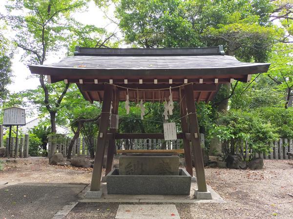 野々上八幡神社の手水舎