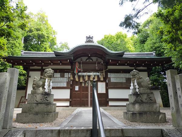 野々上八幡神社の拝殿
