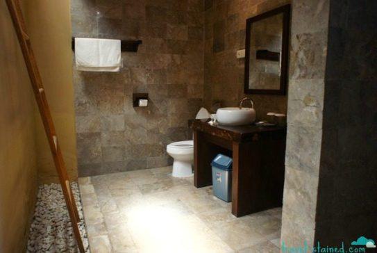 Gorgeous Villa Karang open air bathroom