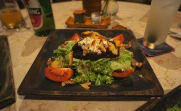 Roasted beet and walnut salad - healthy goodness