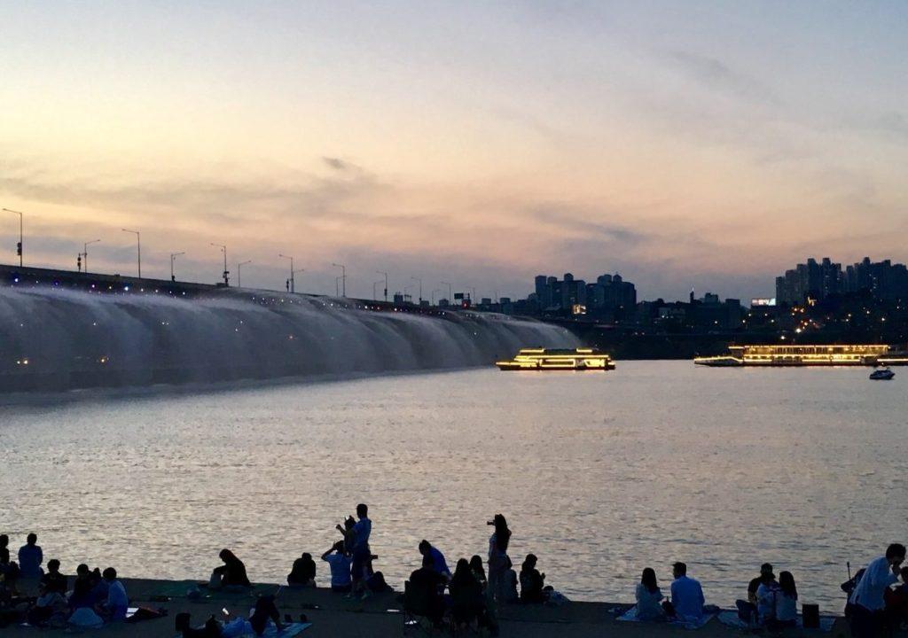 Hangang River cruise, Banpo Hangang Park, Banpo Bridge Seoul blog, Korea blog