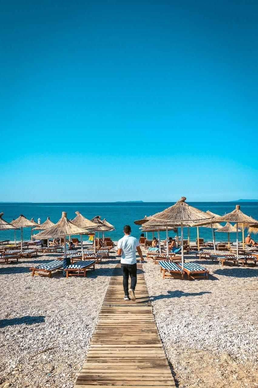 livadh beach albania
