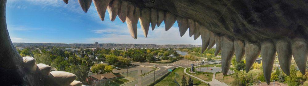 Drumheller with kids - world's largest dinosaur