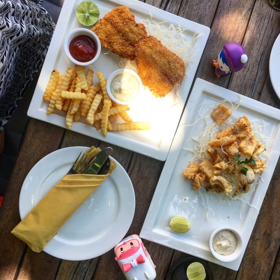 meal at serendipity in koh lipe