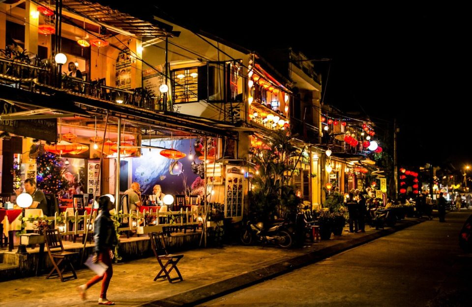 things to do in hoi an, lanterns and authentic buildings