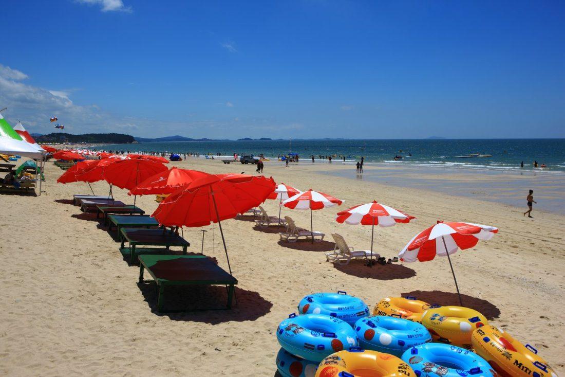 beaches in korea | daecheon beach