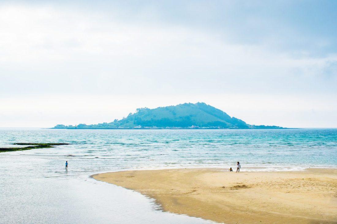 beaches in korea | hyeopjae beach korea