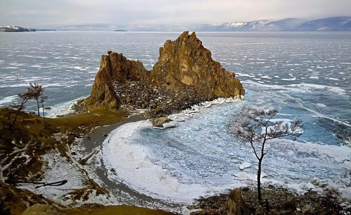 Скала Шаманка – место силы Байкала